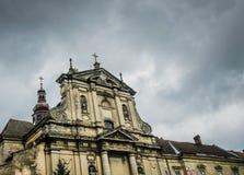 彼得和保罗古老阴险的人教会  一次旅行向东欧 市利沃夫州,乌克兰 免版税库存图片
