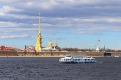 彼得和保罗堡垒在圣彼德堡劳动节 图库摄影