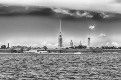 彼得和保罗堡垒,圣彼得堡,俄罗斯的看法 免版税库存照片
