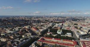 彼得斯堡圣徒 俄国 飞行向Nikolsky大教堂和科洛姆纳 股票录像