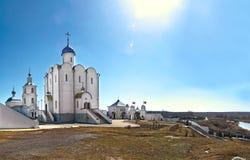 彼得斯堡的保佑的齐尼亚的教会在Arskoye俄罗斯村庄  图库摄影