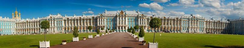 彼得斯堡,俄罗斯- 2017年6月29日:Tsarskoe Selo 凯瑟琳宫殿彼得斯堡俄国selo st tsarskoe 免版税库存图片