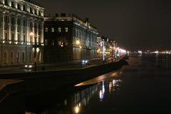 彼得斯堡` s夜码头 库存照片
