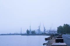 彼得罗扎沃茨克和造船厂,顶视图港口  库存照片
