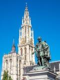 彼得・保罗・鲁本斯雕象有我们的夫人大教堂的  免版税库存照片