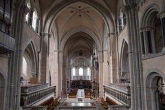 往入口的看法在实验者大教堂里 免版税库存照片