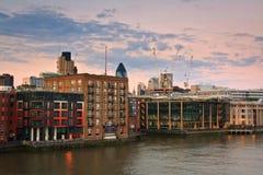 往利物浦街地区,伦敦的看法 库存图片