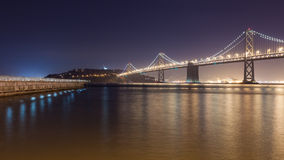 往珍宝海岛的海湾桥梁 库存图片