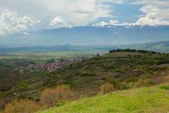 往Belasitsa山保加利亚的视图 免版税库存照片