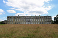 从往Petworth议院的草甸 免版税库存图片