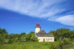 往Westermarkelsdorf灯塔的看法  免版税库存照片