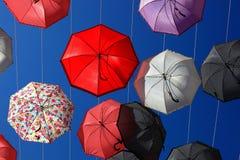很多五颜六色的伞 库存图片