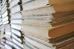 很多旧书 免版税库存照片