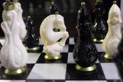 很多棋在委员会 免版税库存图片