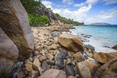 很多花岗岩在塞舌尔群岛119的海岸晃动 库存照片