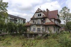 很大地被摧残的大厦在扎科帕内 免版税图库摄影