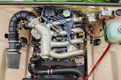 很好一辆老俄国汽车的被维护的引擎 库存图片
