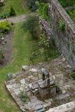 很好古雅老庭院,Dinan,布里坦尼 图库摄影
