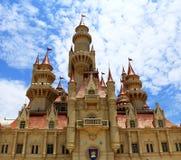 很远在环球影业新加坡的城堡 免版税库存照片