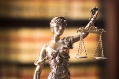 律师事务所法律雕象 图库摄影
