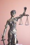 律师办公室雕象Themis 免版税库存照片
