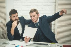 律师或会计咨询的企业家 商务咨询概念 商务伙伴或商人在会议上 库存图片