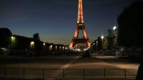 徒升从埃佛尔铁塔在晚上 股票录像