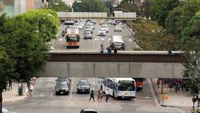 徒升/内务操作时间流逝观点的交通/步行者在街市洛杉矶加利福尼亚 影视素材