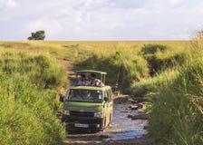 徒步旅行队在肯尼亚 库存图片