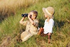 徒步旅行队孩子 免版税库存图片