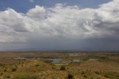 徒步旅行队的湖在坦桑尼亚 图库摄影