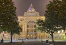 得克萨斯国会大厦大厦的前面门面在晚上 图库摄影