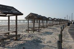 得克萨斯墨西哥湾海岸海滩有休息区和表 图库摄影