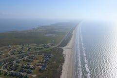 得克萨斯墨西哥湾海岸的空中图象,加尔维斯顿岛,美利坚合众国 阴霾由于温暖的天气情况 免版税库存照片