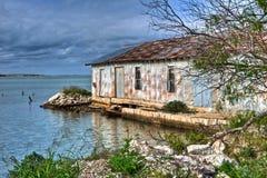 得克萨斯墨西哥湾海岸被放弃的仓库 库存照片