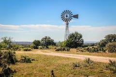 得克萨斯小山国家风车 库存照片