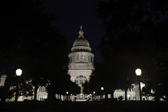 得克萨斯状态国会大厦大厦在晚上 库存照片