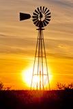 得克萨斯风力泵日落 免版税库存图片