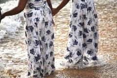 得到湿在海滩 免版税库存图片