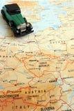 在土地驾驶通过欧洲概念绊倒 免版税库存图片