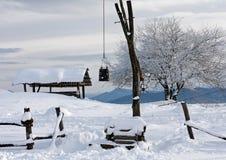 以画得好为特色的冬天多雪的土气风景风景 库存照片
