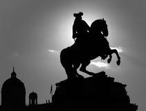 御马者雕塑剪影维也纳 免版税库存图片
