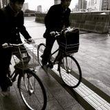 循环在广岛日本的学生 免版税库存图片