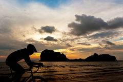 循环在海滩 免版税图库摄影