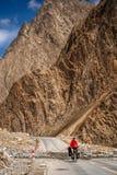 循环往西藏 库存图片