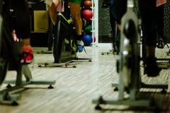 循环户内锻炼 免版税图库摄影