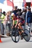 循环的女性triathlete 免版税库存图片