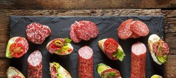 微型三明治和bruschettes品种  图库摄影