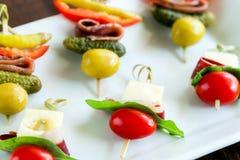 微型串开胃菜品种  库存图片