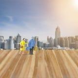 微型人民在城市计算,蜂蜜月亮 免版税图库摄影